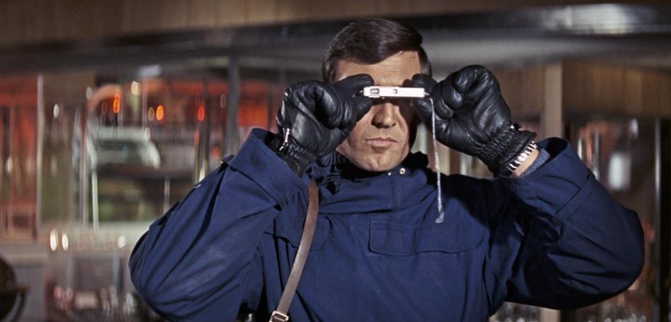 on-her-majestys-secret-service-james-bond-george-lazenby-1969-spy-thriller-movie-review